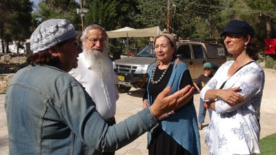 Rabbi & Rabanit Melamed visits Oz veGaon