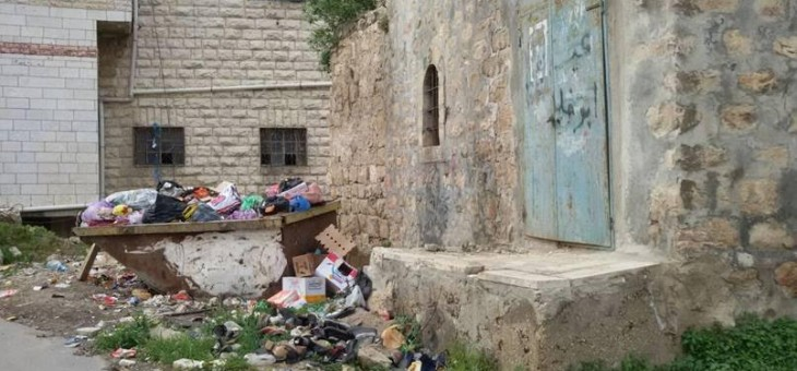 Garbage all over Hevron under an Arab municipality.  Hevron is waiting for the application of Israeli Sovereignty….